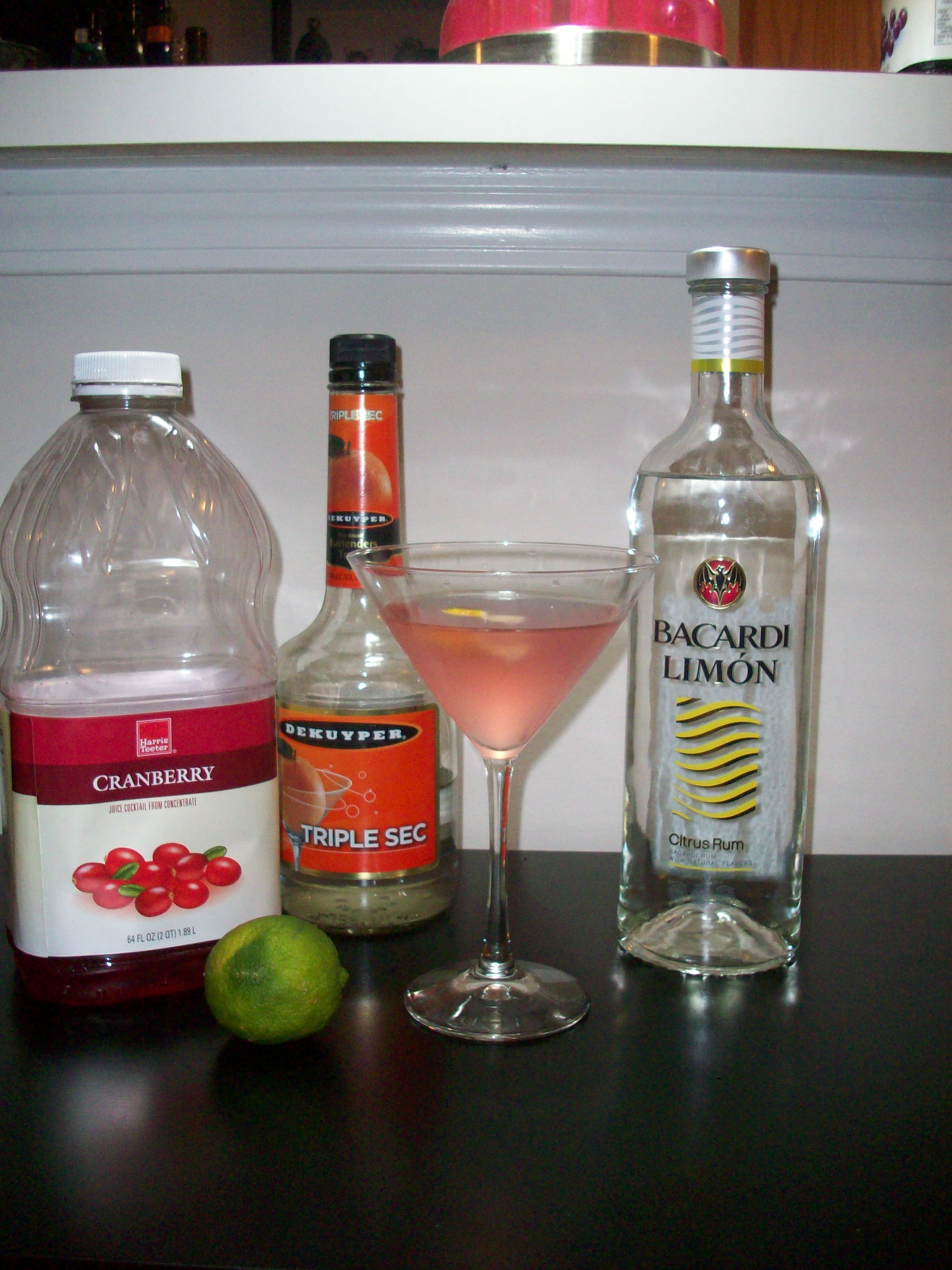 Drinks to make with triple sec and vodka for Cocktail triple sec